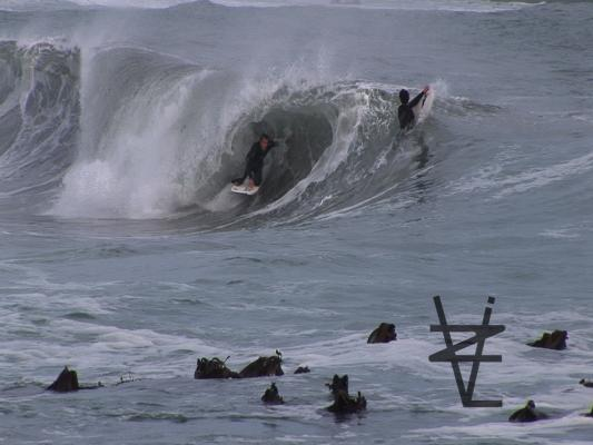 Greg Fraser, Dropknee forehand tube/barrel at West Coast Undisclosed