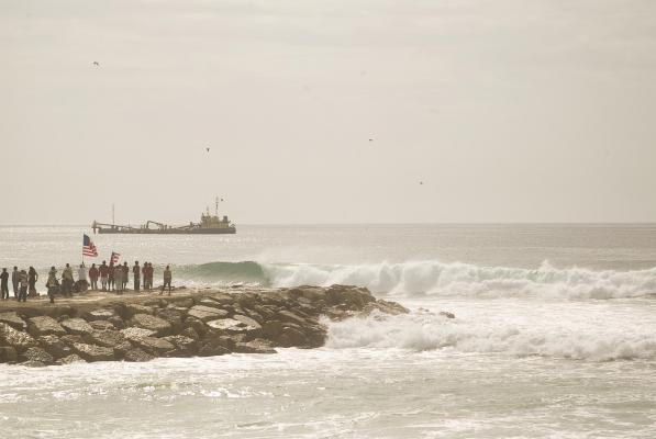 Bottom turn at Costa de Caparica