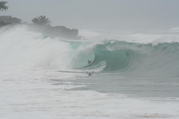 Leif Emberg at Waimea Shorebreak