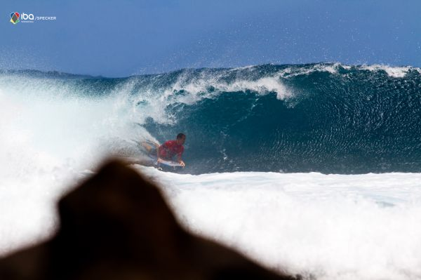 Amaury Lavernhe, tube/barrel at Les Arches
